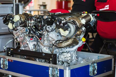 Nissan_GT-R_LM_Nismo_4.jpg